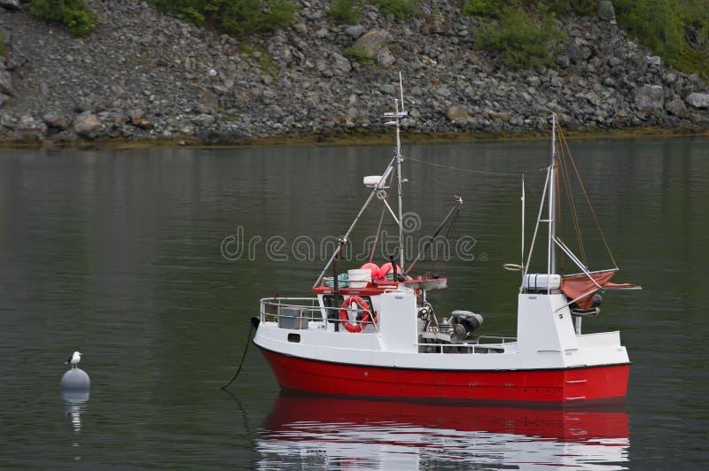 fjord de pêche de bateau photographie stock libre de droits