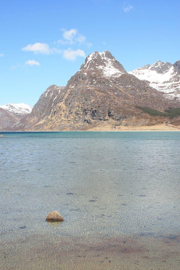 fjord flakstad góry fotografia stock
