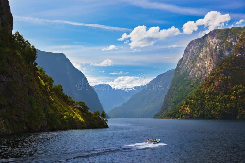 Fjord Naeroyfjord en Norvège - site célèbre de l'UNESCO image libre de droits