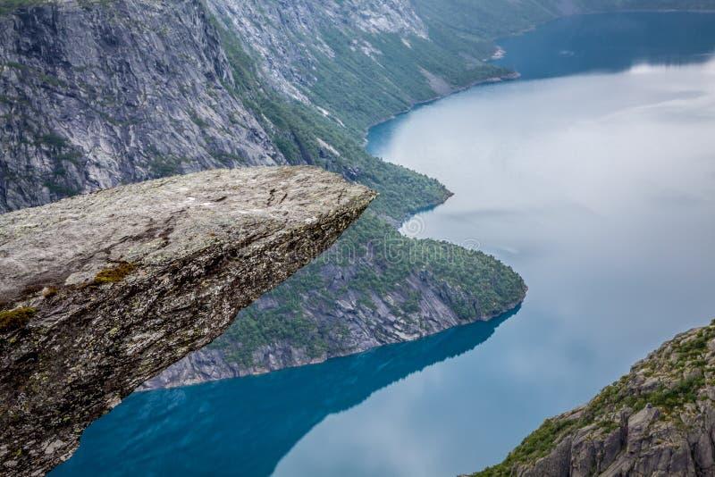Fjord Norwegen-Berg-Trolltunga Odda Norge-Wanderweg lizenzfreie stockbilder