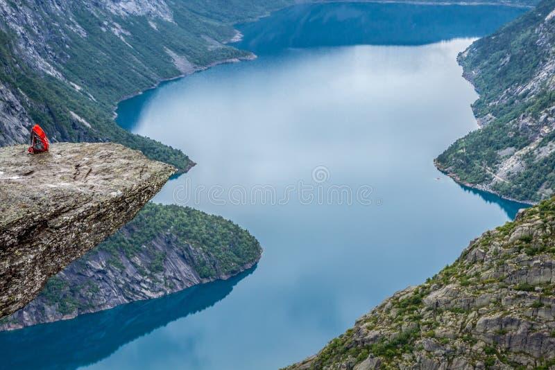 Fjord Norwegen-Berg-Trolltunga Odda Norge-Wanderweg stockbild