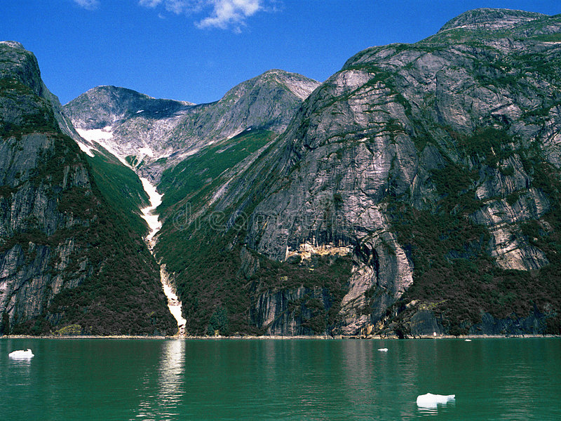 Download Fjordbergdal arkivfoto. Bild av vildmark, fjord, berg, snow - 234864