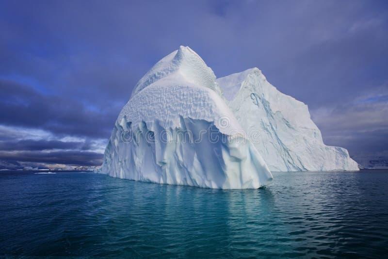 fjordfranz greenland isberg joseph royaltyfri bild