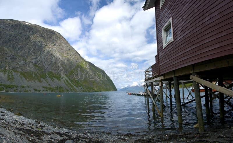fjordhus royaltyfri fotografi