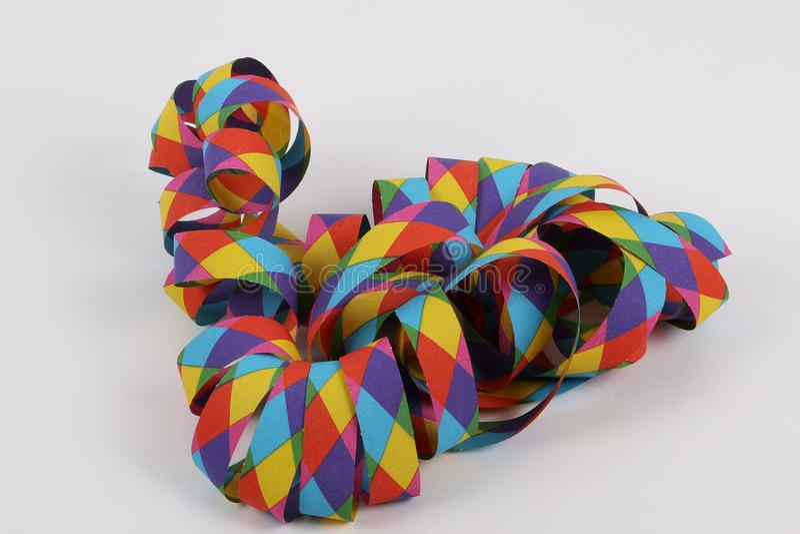 Flâmulas de papel coloridas no estúdio foto de stock royalty free