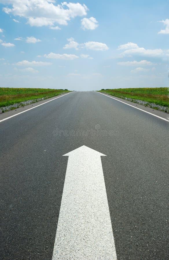 Flèche de marquage routier images libres de droits