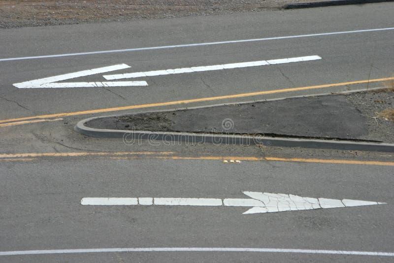 Download Flèches 3 de route photo stock. Image du itinéraire, aigu - 733542