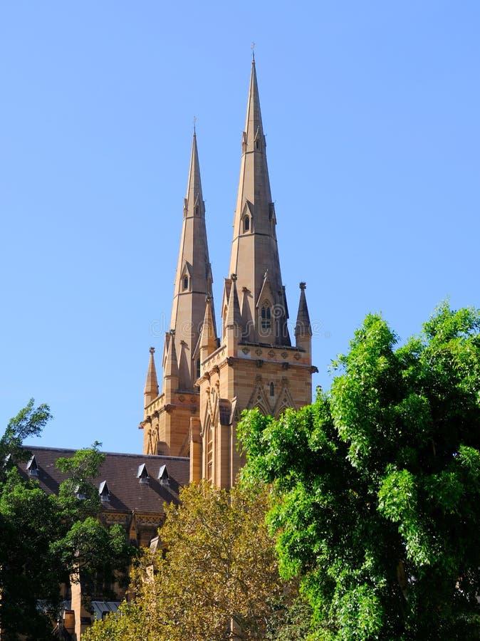 Flèches jumelles, cathédrale du ` s de St Mary, Sydney, Australie images stock