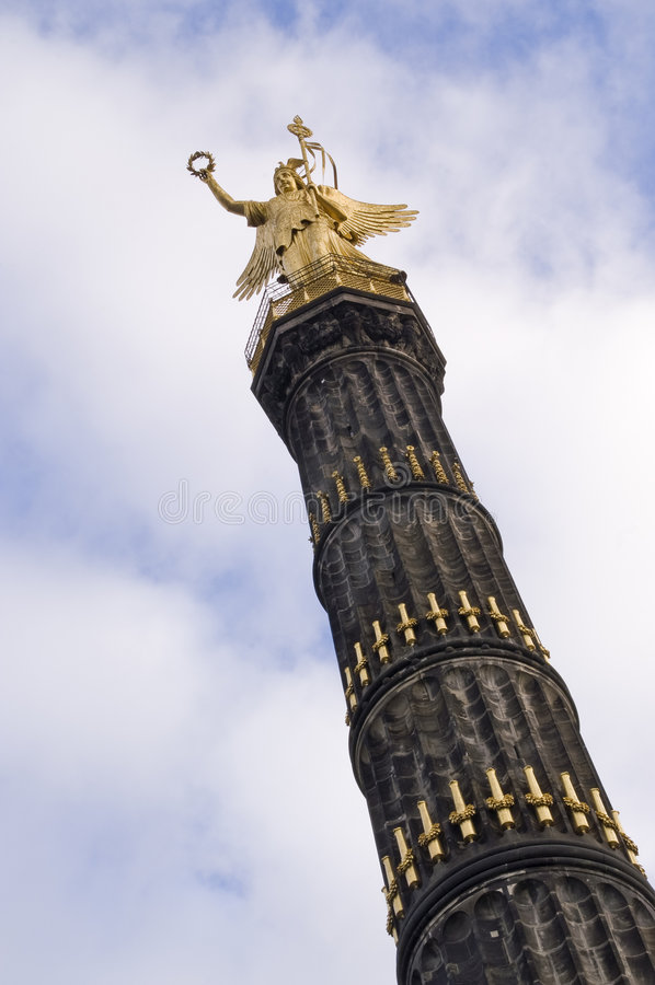 Fléau de victoire à Berlin images stock