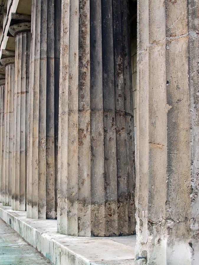 Download Fléaux antiques photo stock. Image du landmark, europe - 741680