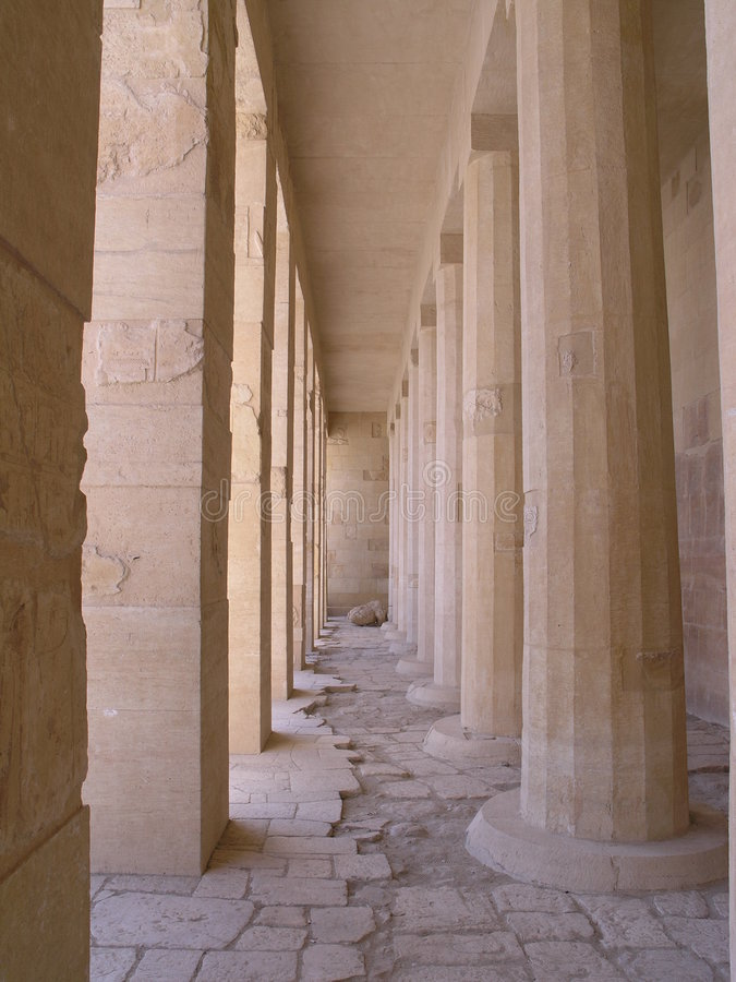 Fléaux et piliers photo stock