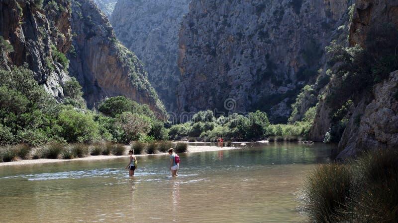 Flöde de Pareis kanjon nära Sa Calobra, Mallorca, Spanien arkivbilder