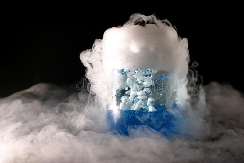 Download Flödesfas två fotografering för bildbyråer. Bild av dioxid - 518193