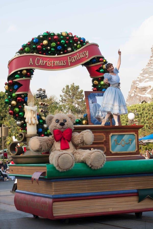 Flötet för musikasken på den Disneyland julfantasin ståtar royaltyfri bild
