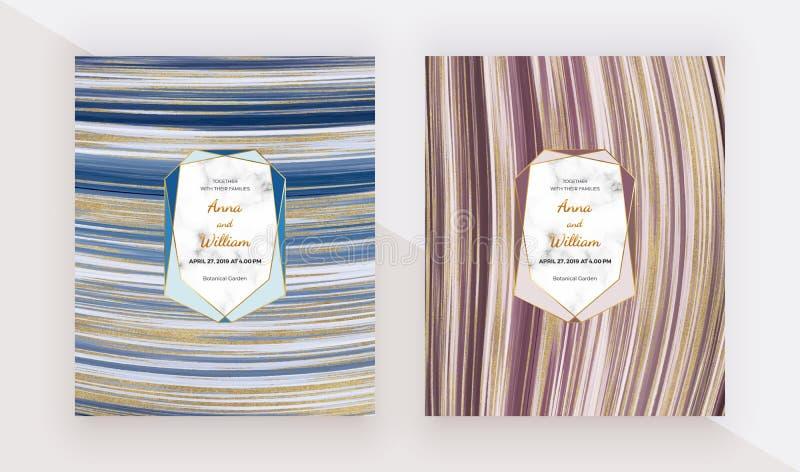 Flüssige Entwurfskarten mit Marmorbeschaffenheit, polygonale Rahmen Blau, rot mit malendem Hintergrund der goldenen Funkelntinte  stockfoto