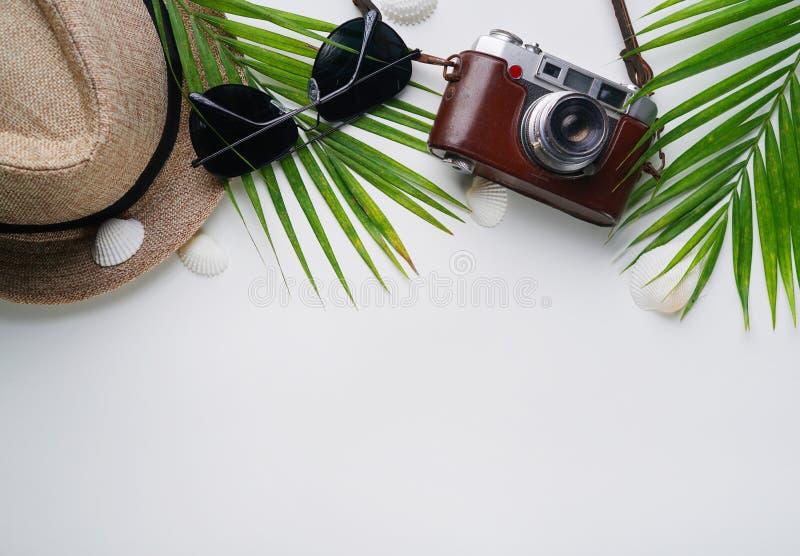 Flache Lage-reisender Feiertags-Ferien-weißer Hintergrund-Kopien-Raum stockfotografie