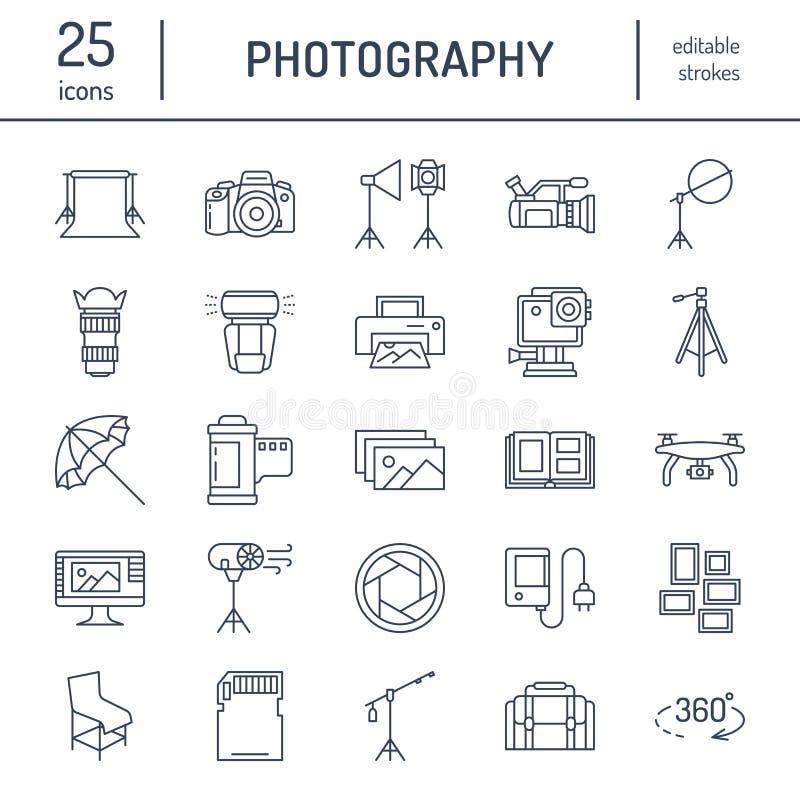 Flache Linie Ikonen der Fotografieausrüstung Digitalkamera, Fotos, Beleuchtung, Videokameras, Fotozubehör, codierte Karte stock abbildung