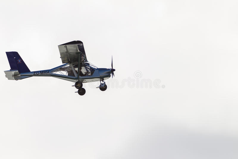 Flacher Stützen-Pilot Low Flying stockbild
