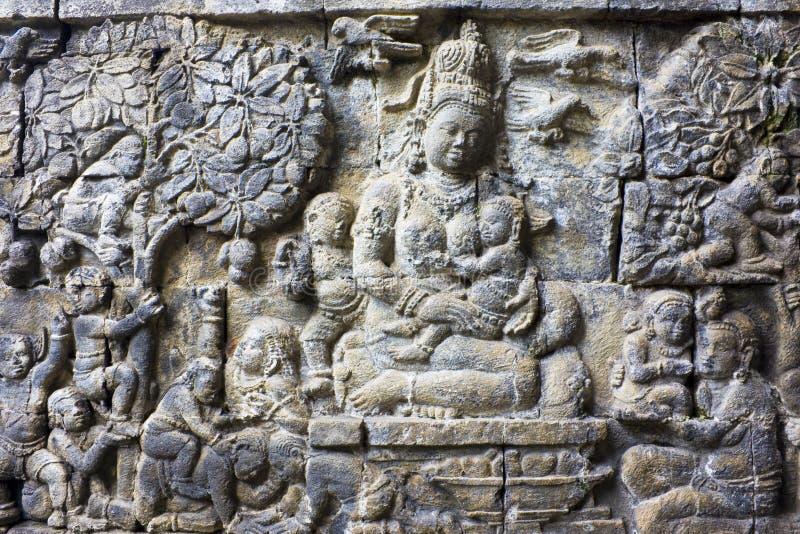 Flachrelief am Mendut Tempel, Indonesien lizenzfreies stockbild