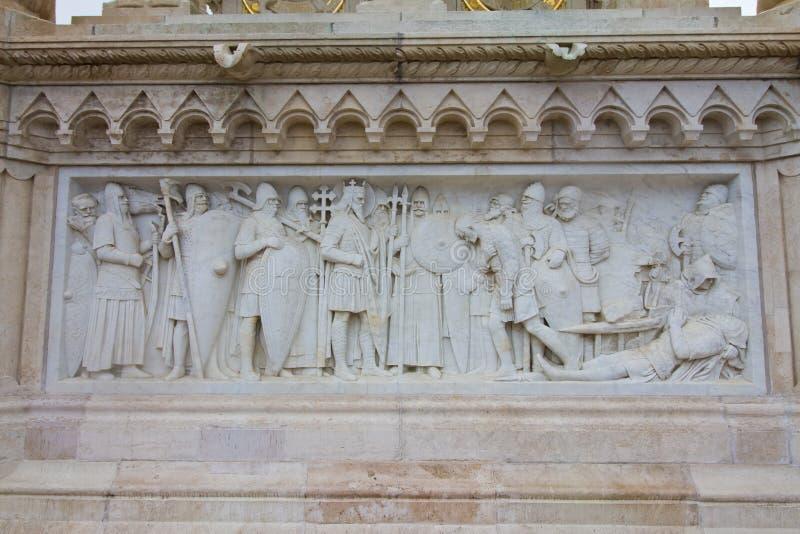 Flachreliefdetail von den historischen Ereignissen auf Monument zum ersten König von Ungarn St Stephen, Szent Istvan kiraly stockbild
