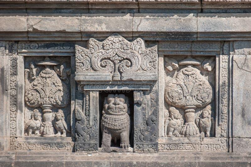 Flachreliefs von Prambanan Tempel, Java, Indonesien stockbilder