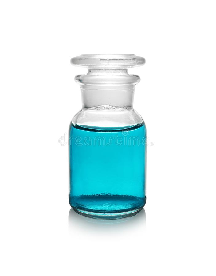Flacon à réactifs en verre avec le liquide de couleur sur le fond blanc photos libres de droits