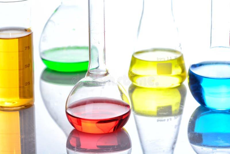 Flacon chimique de laboratoire photographie stock
