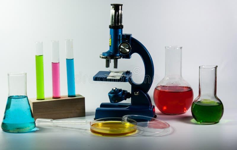 Flacons chimiques image libre de droits
