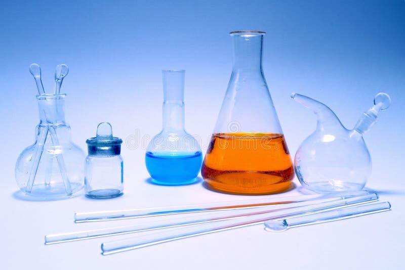 Flacons en verre Articles chimiques de laboratoire photographie stock libre de droits