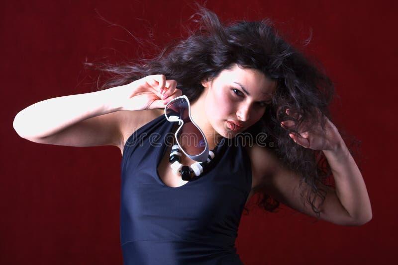fladdrande hårmodell för mode fotografering för bildbyråer