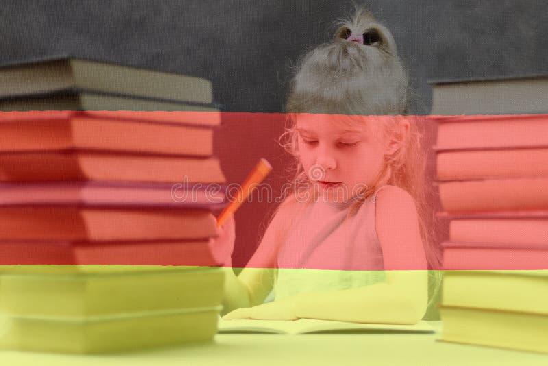 flag немец белокурая девушка хочет учить немецк двойная экспозиция иллюстрация штока