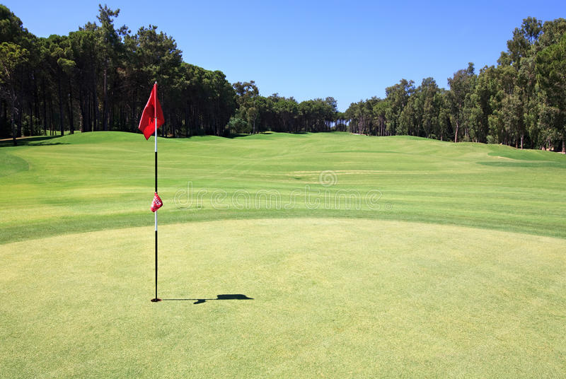 Download Flag On The Golf Course. Royalty Free Stock Images - Image: 21003759