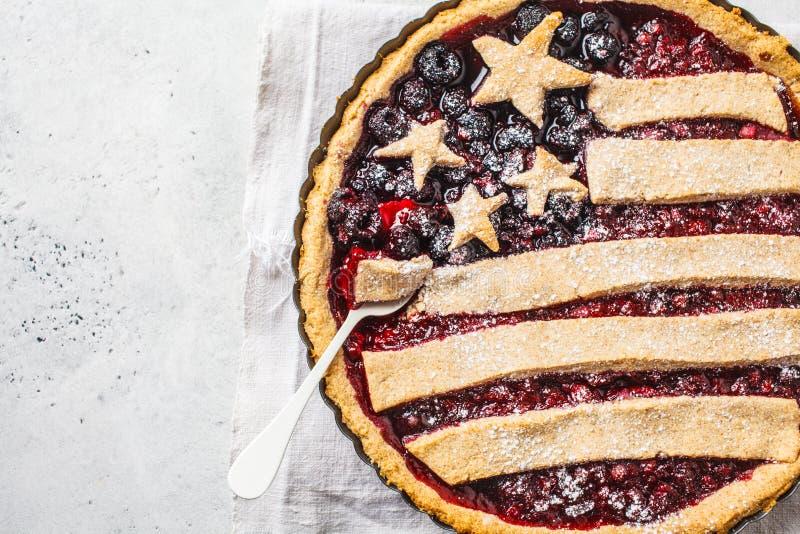 Flaga amerykańska jagodowy kulebiak, odgórny widok Dzień Niepodległości Ameryka pojęcie fotografia stock