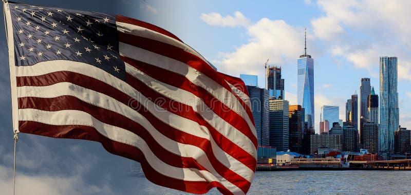 Flaga amerykańska lata popiół przeciw niebieskiemu niebu Nowy Jork i Manhattan przy wczesnego poranku słońca światłem, most brook zdjęcie royalty free
