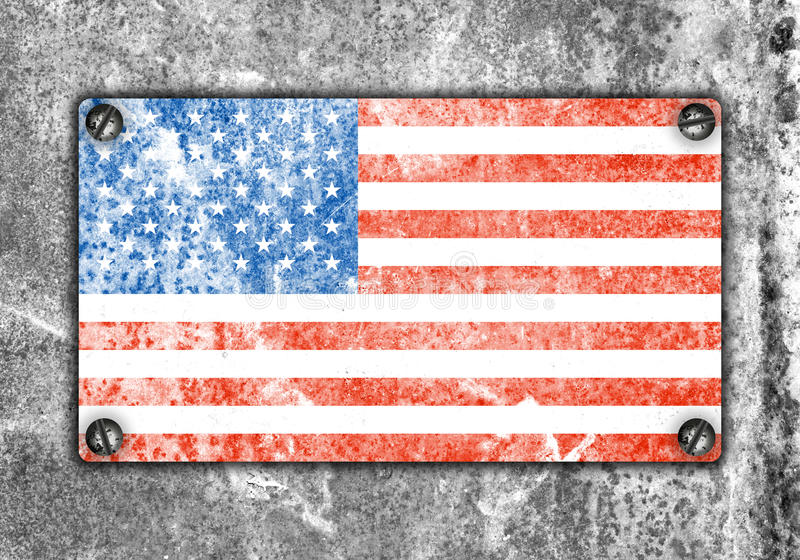 Flaga amerykańska na metalu talerzu śrubującym śrubuje na ścianie obraz stock