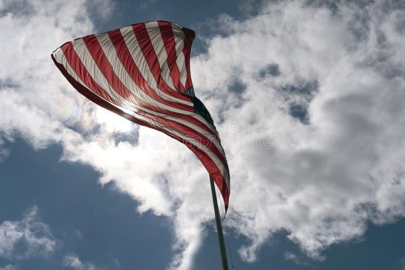 Flaga amerykańska w wiatrze zdjęcia royalty free