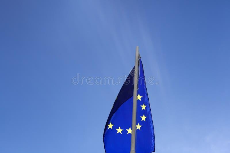 Flaga Europejski zjednoczenie na flagpole zdjęcia royalty free