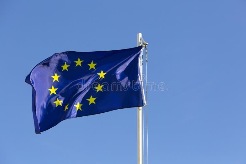 Flaga Europejski zjednoczenie na flagpole zdjęcia stock