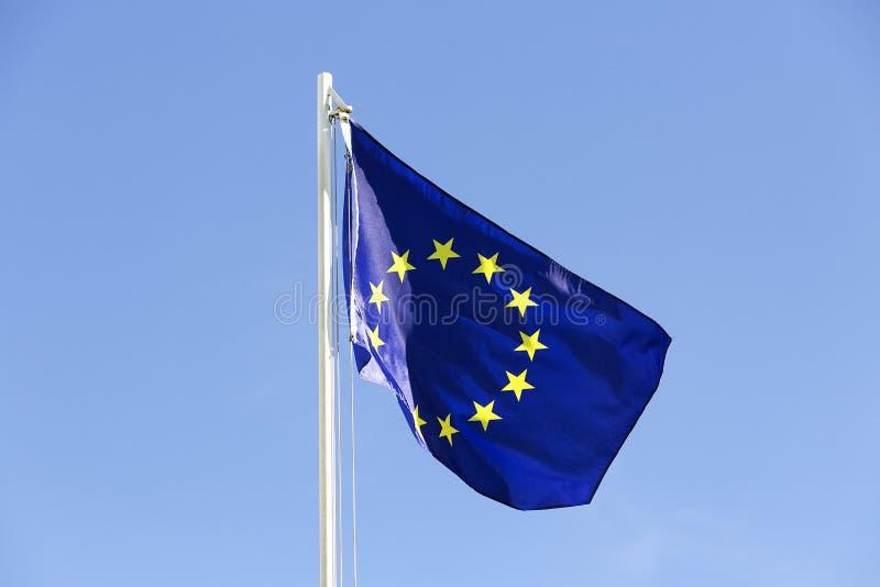 Flaga Europejski zjednoczenie na flagpole obrazy stock