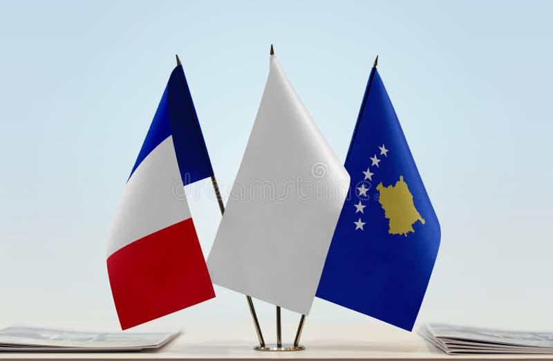 Flaga Francja i Kosowo zdjęcia stock