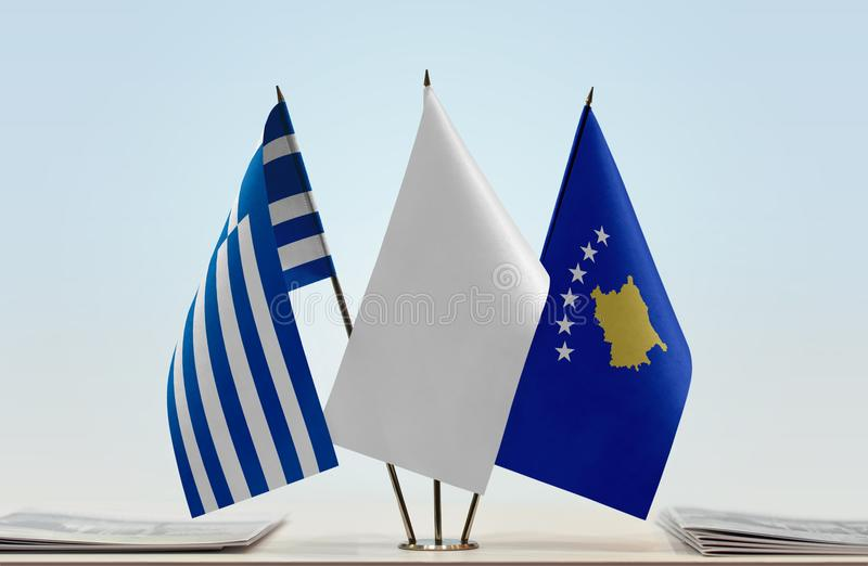 Flaga Grecja i Kosowo zdjęcie stock