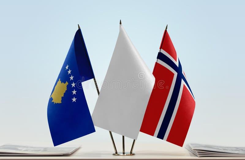 Flaga Kosowo i Norwegia zdjęcia stock
