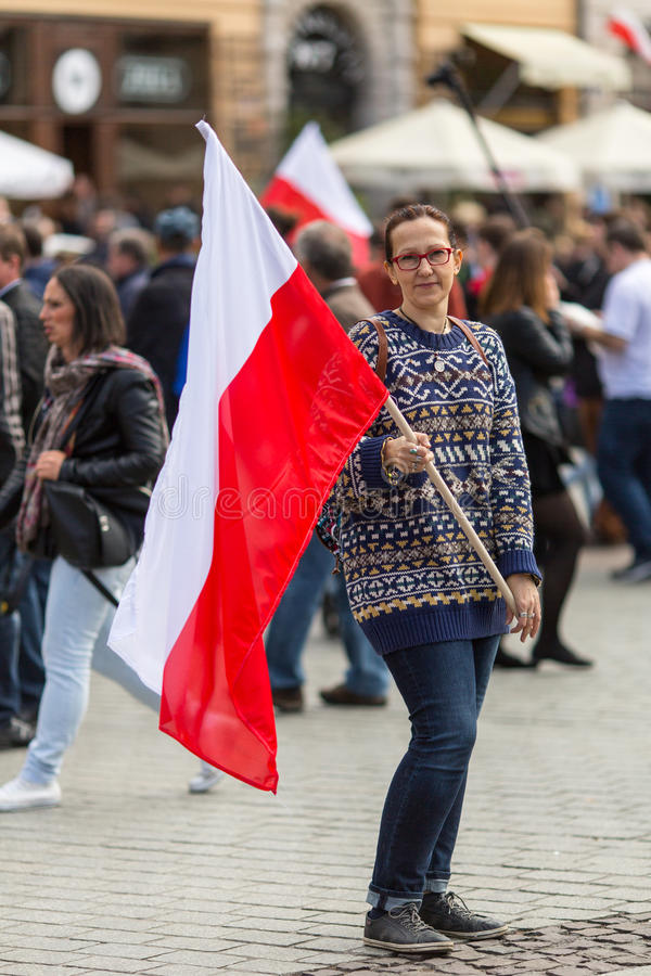 Flaga Państowowa dzień republika świętująca między wakacjami Polska (aktem 20 2004 Feb) fotografia stock