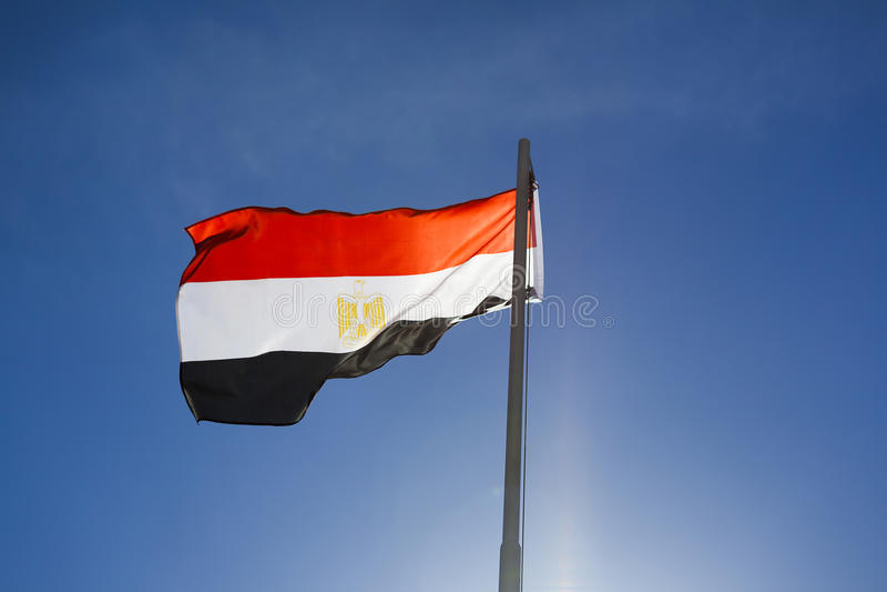 Flaga państowowa Egipt na flagpole zdjęcie royalty free