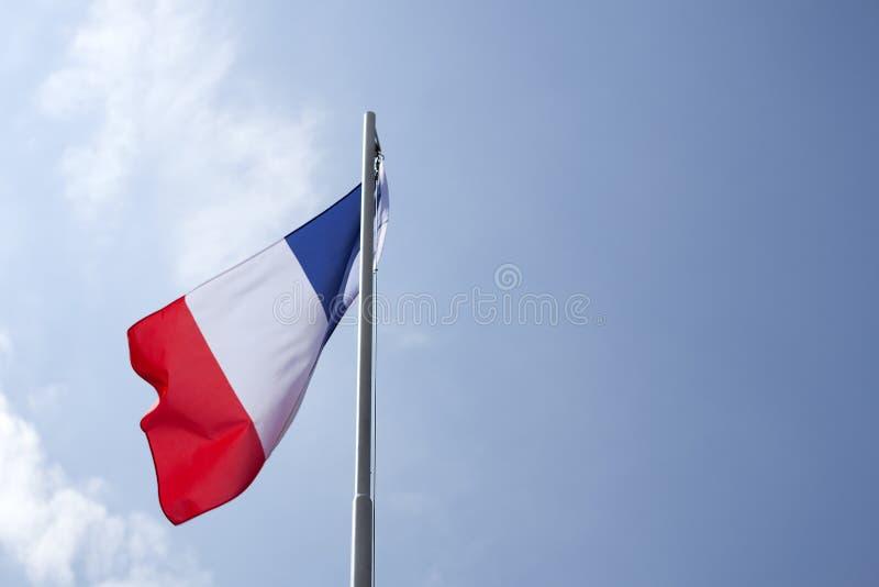 Flaga państowowa Francja na flagpole zdjęcie stock