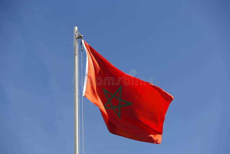 Flaga państowowa Maroko na flagpole obraz royalty free
