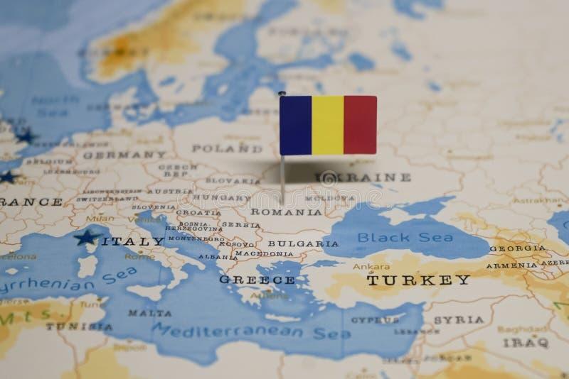 Flaga Romania w światowej mapie obraz stock