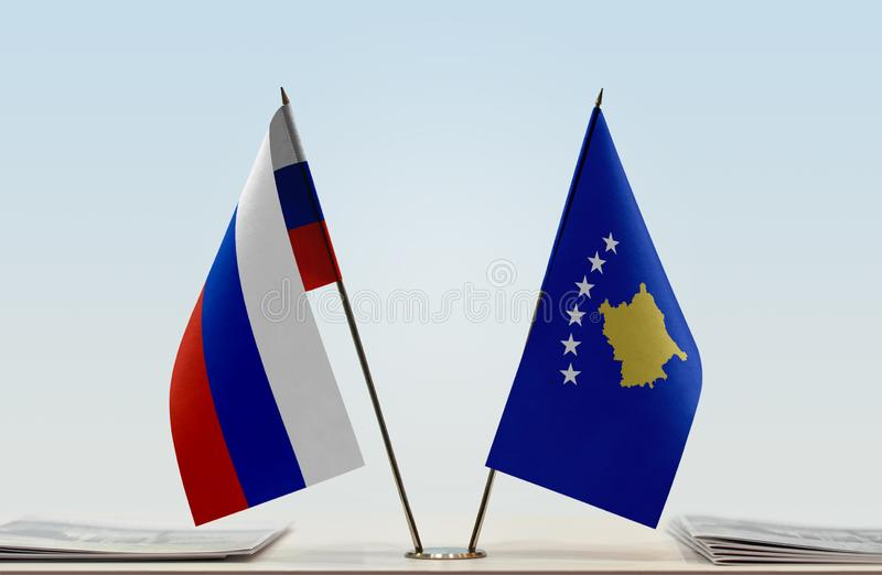 Flaga Rosja i Kosowo obrazy royalty free