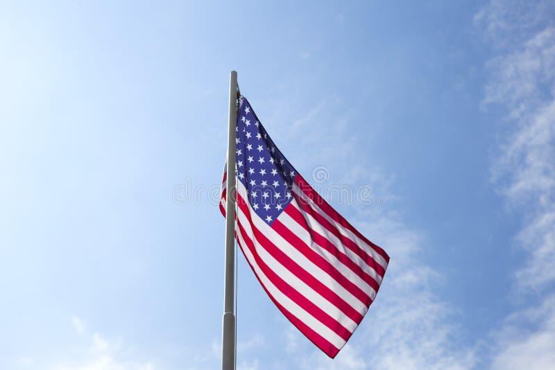 Flaga Stany Zjednoczone na flagpole fotografia stock