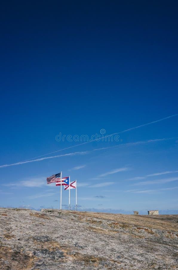 Flaga U S , Puerto Rico i krzyż Burgundy, obrazy royalty free